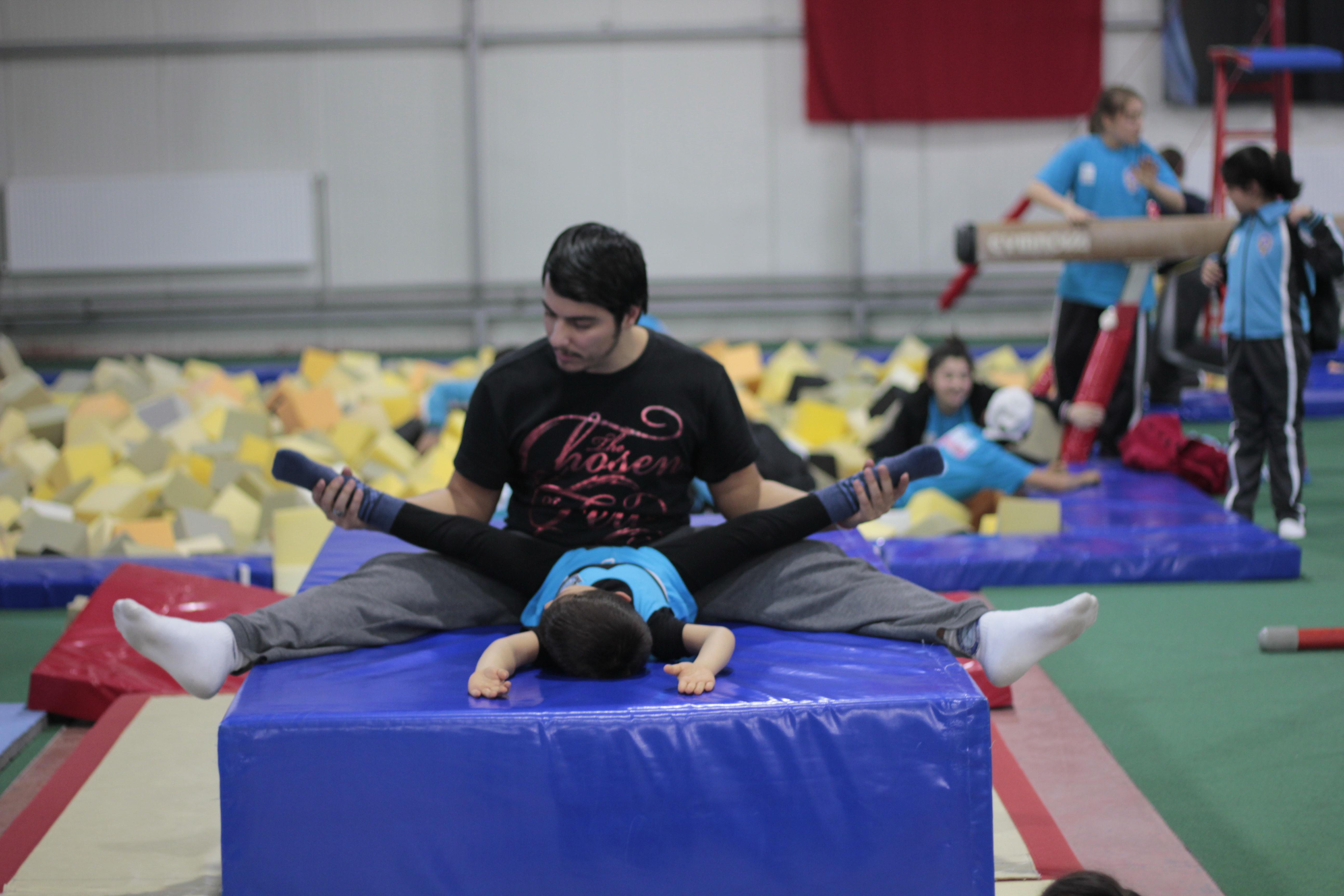 Çocuklar için jimnastik dansları. Ritmik Cimnastiğin Avantaj ve Dezavantajları 33